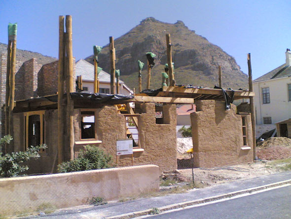 Yarrow Cob House in Muizenberg